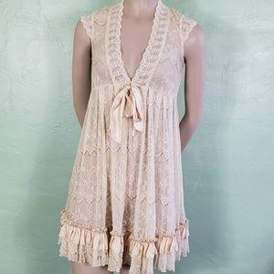 Vintage Lace Ruffled Nighty Feminie Gown